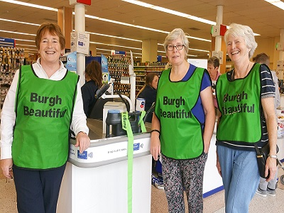 Bag Packing Volunteers