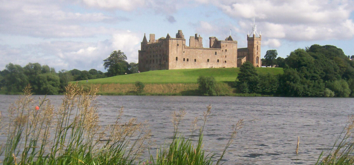 Linlithgow Loch, Palace and St Michael's Church
